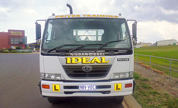 Medium Rigid truck licence training vehical at Ideal Driving School